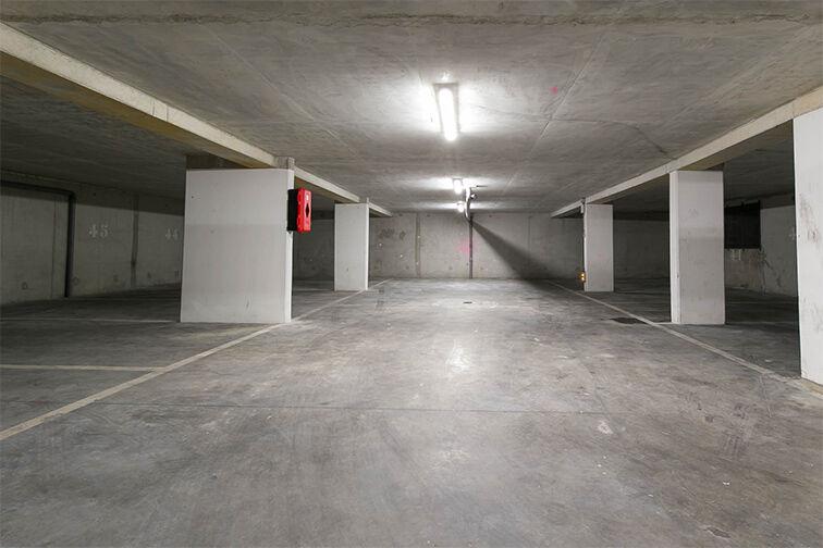 Parking Vieux Bassins - Créteil avis