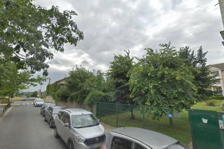 Parking Complexe Sportif Bretagne - Carrières-sous-Poissy gardien