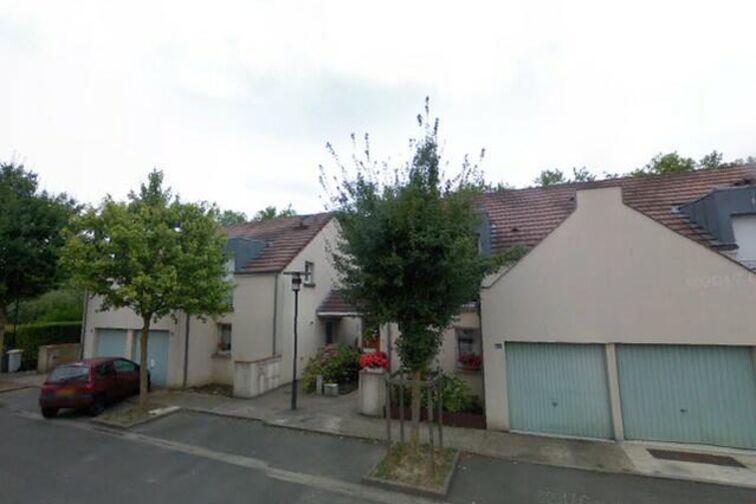 Parking Complexe sportif Europe - Élancourt location mensuelle