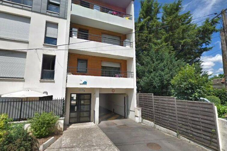 Parking Ecole élémentaire Chennevières - Conflans-Sainte-Honorine avis