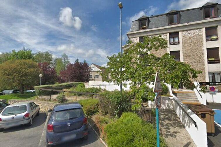 location parking Mairie de Marcoussis