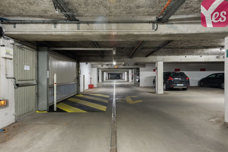 Parking Front Populaire location