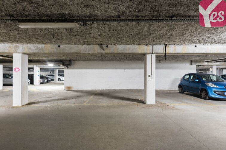 Parking Front Populaire garage