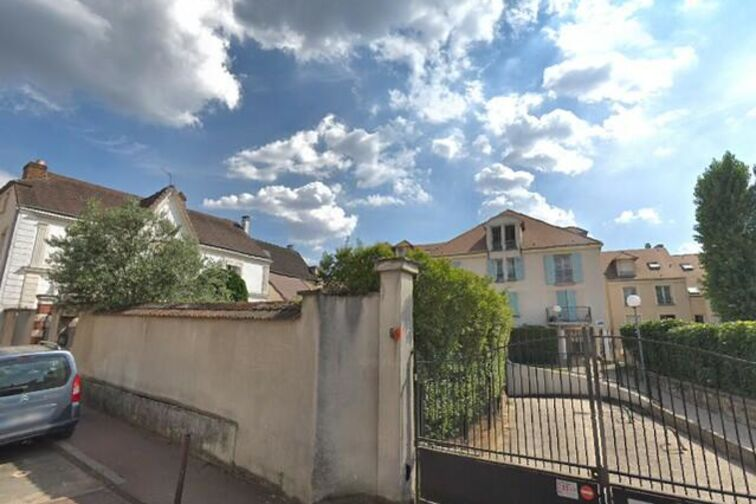Parking Collège Moreau - Montlhery 24/24 7/7