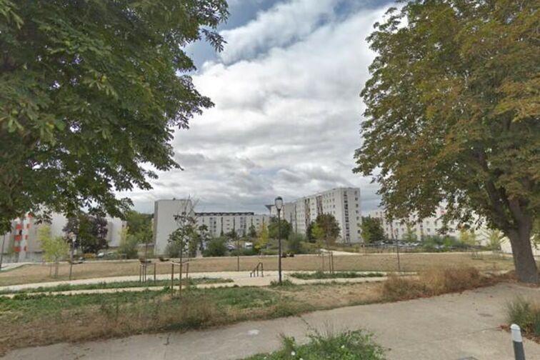 location parking Château de Bècheville - Molière - Les Mureaux