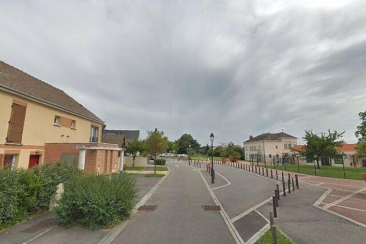 Parking École Maternelle Pauline Kergomard - Saclay à louer