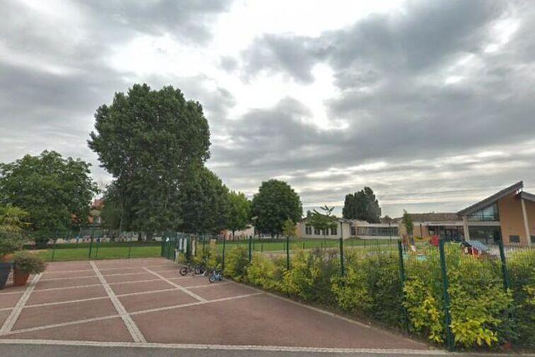 Parking École Maternelle Pauline Kergomard - Saclay caméra
