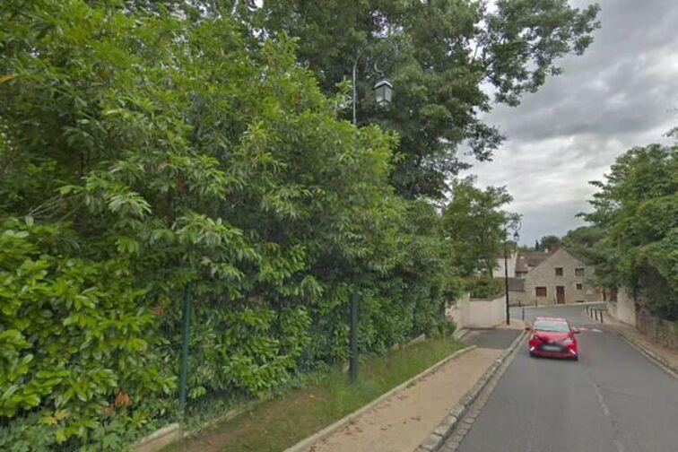 Parking Mairie de Varennes-Jarcy location