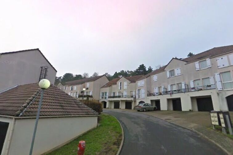 Parking École maternelle publique Champ de Coq - La Ferté-Alais sécurisé
