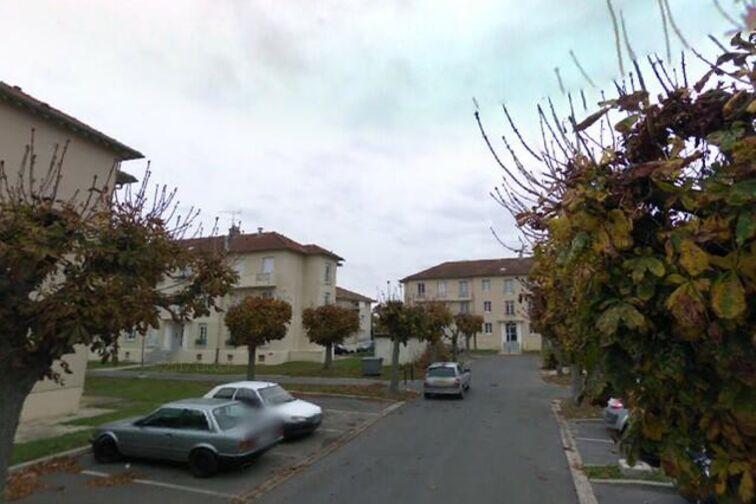 Parking Hôpital Georges Clémenceau - Chevannes sécurisé