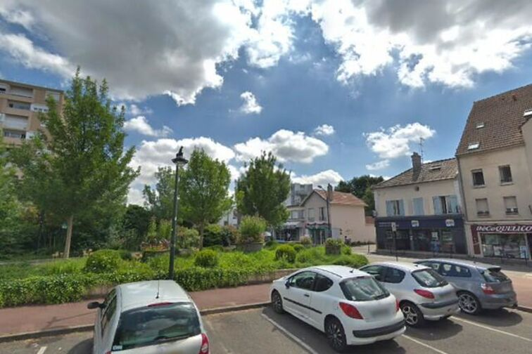 Parking Eglise Saint Jean Marie Vianney - Désiré Clément - Conflans-Sainte-Honorine location