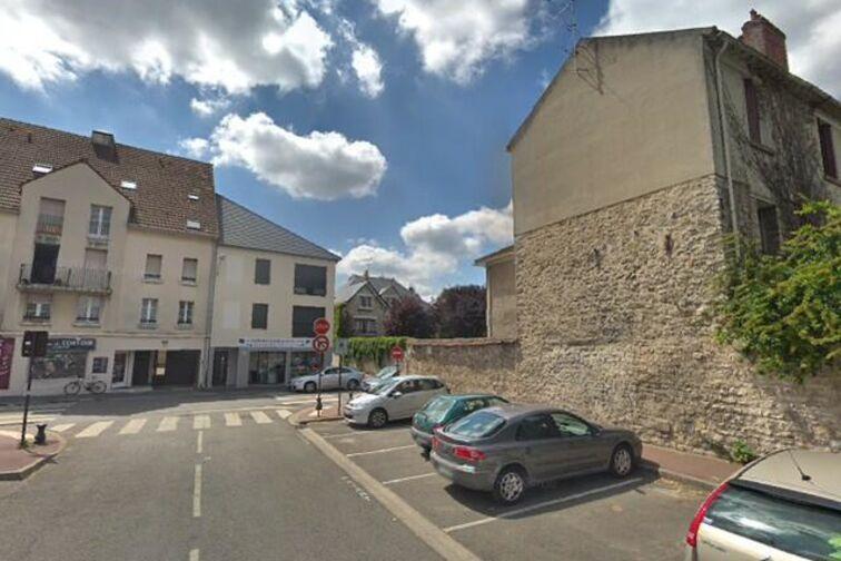 Parking Eglise Saint Jean Marie Vianney - Désiré Clément - Conflans-Sainte-Honorine 24/24 7/7