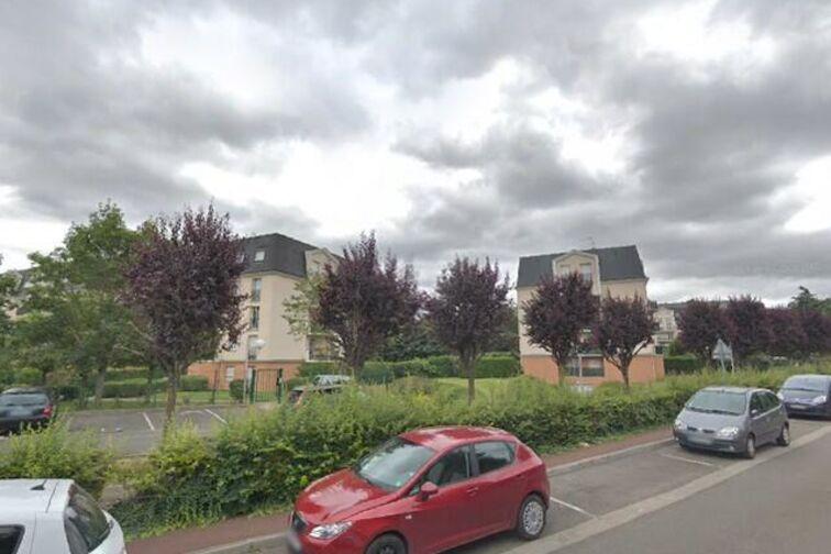Parking Base Nautique de l'Ouest - Pre Rousselin - Verneuil-sur-Seine location mensuelle