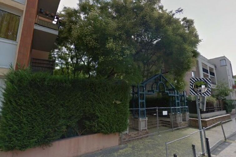 Parking Collège Les Saules - Georges Seurat - Guyancourt à louer