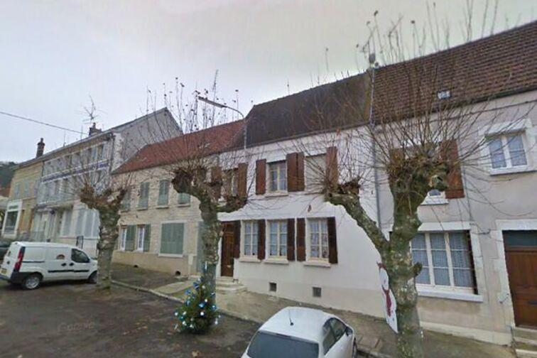 Parking Château d'Ancy-le-Franc - Ancy-le-Franc - (box) à louer