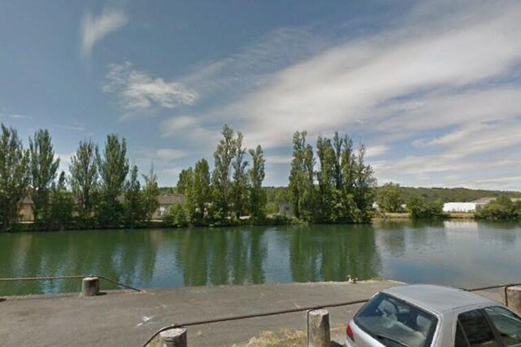 location parking Quai Docteur Schweitzer - Sens (box)