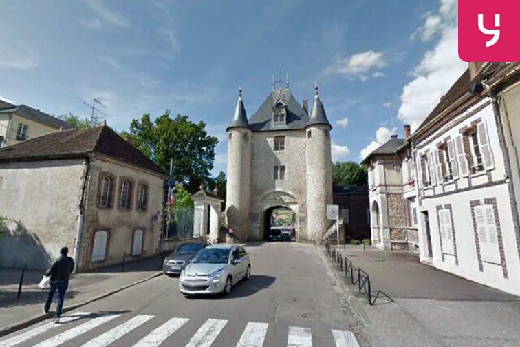 Parking Porte de Sens - Villeneuve-sur-Yonne (box) location mensuelle