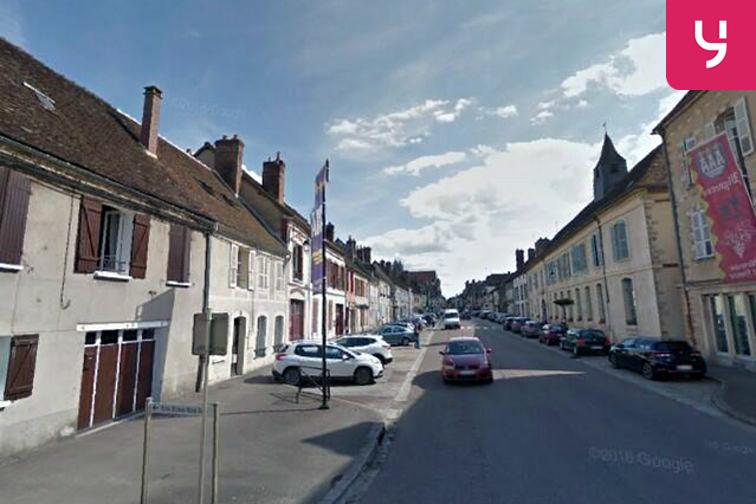 Parking Porte de Sens - Villeneuve-sur-Yonne (box) 24/24 7/7