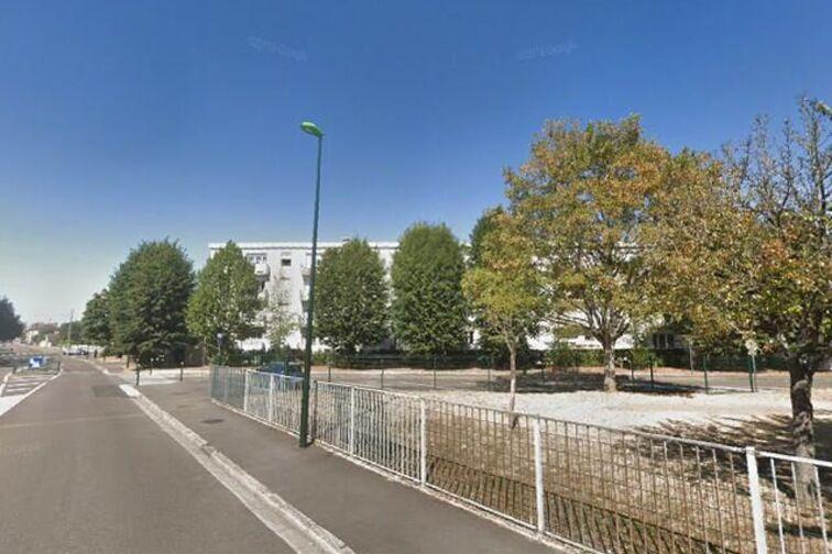 Parking Lycée de Sens (aérien) garage