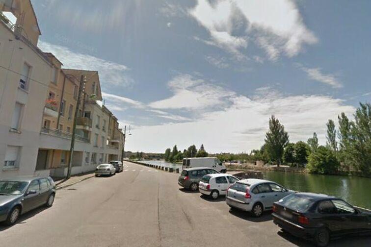 Parking Quai Docteur Schweitzer - Sens (aérien) en location