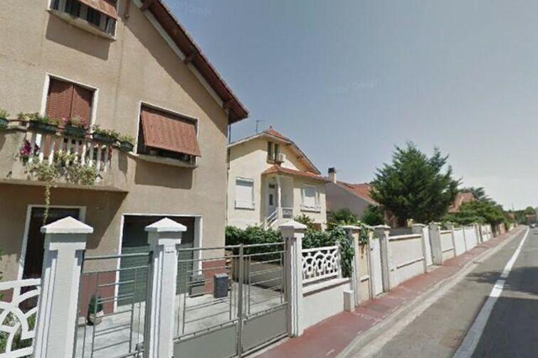 Parking Espace Mozaïque - Anatole France - Saint-Priest (aérien) 81 rue Anatole France