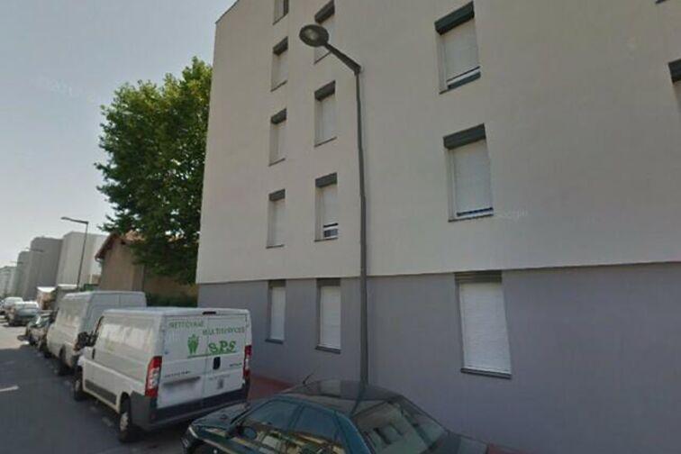 Parking Espace Mozaïque - Anatole France - Saint-Priest (aérien) garage