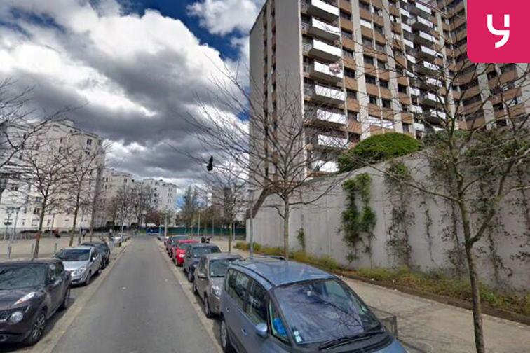 Parking Cathédrale Saint-Louis - Henri Barbusse - Choisy-le-Roi - (place moto) avis