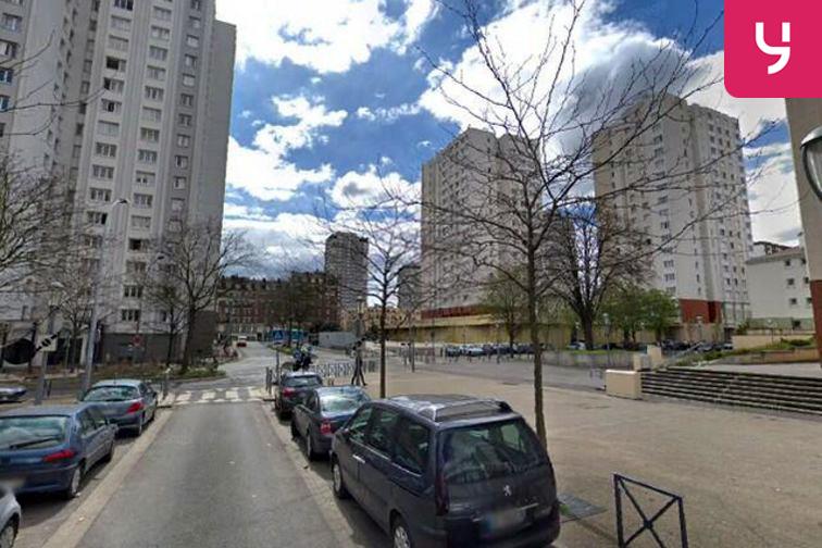 Parking Cathédrale Saint-Louis - Henri Barbusse - Choisy-le-Roi - (place moto) à louer
