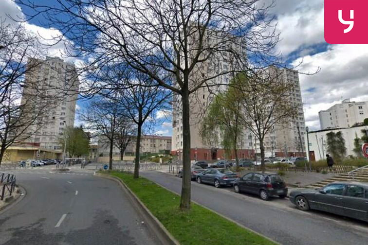 location parking Cathédrale Saint-Louis - Pablo Picasso - Choisy-le-Roi (box)