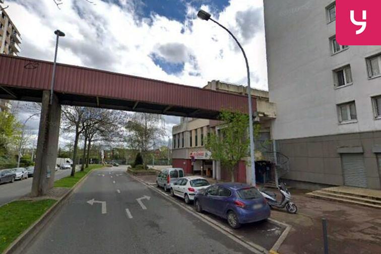 Parking Cathédrale Saint-Louis - Pablo Picasso - Choisy-le-Roi - Souterrain garage