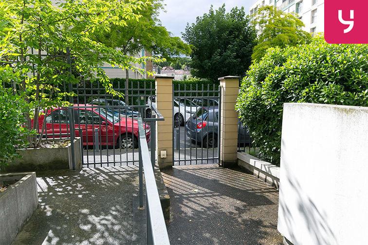 Parking Chaville Rive Droite location mensuelle