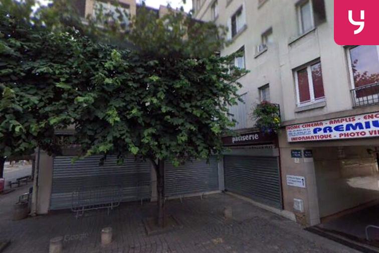 Parking Cathédrale Saint-Louis - Place de l'Église - Choisy-le-Roi - (place moto) 24/24 7/7
