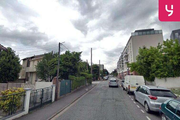 Parking Lycée Frédéric Mistral - Paix - Fresnes (box) en location