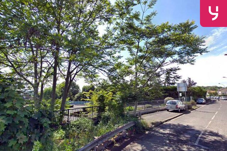 location parking Parc André Villette - Montjean - Fresnes - (place moto)