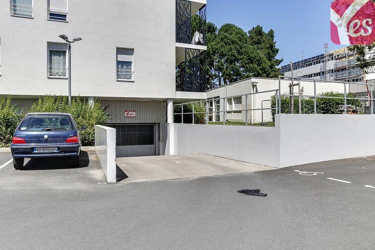 location parking Recteur Schmitt - Nantes