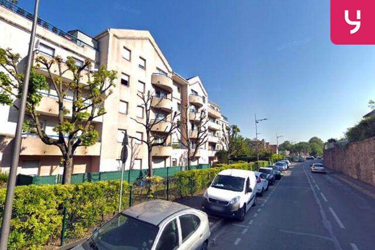 Parking Parc Jacques Duclos - Auguste et Louis Lumiere - Villeneuve-Saint-Georges - (place moto) en location