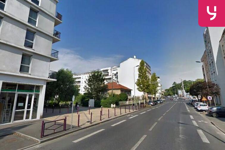 location parking Théâtre Jacques Carat - Louis Georgeon - Cachan - (place moto)