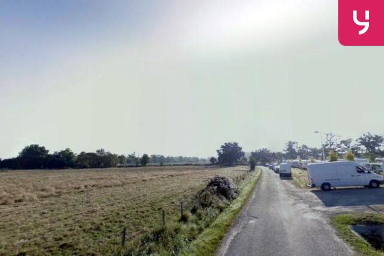 Parking Clauzet - Cadaujac location