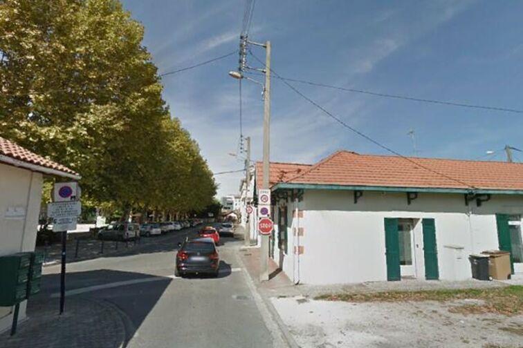 Parking Salle des fêtes Pierre Cravey - La Teste-de-Buch en location