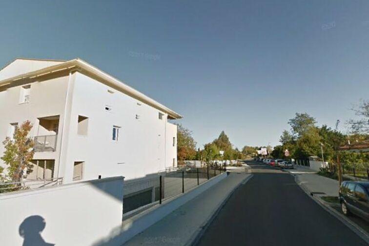 Parking Place de Corbiac - Saint-Médard-en-Jalles avis