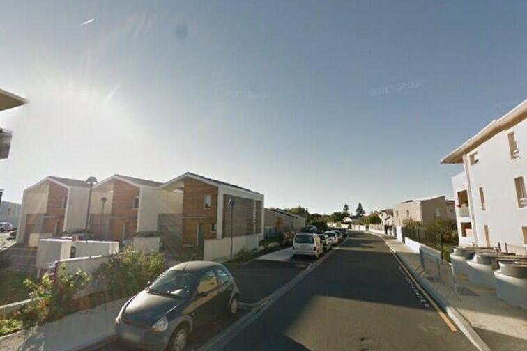 location parking Place de Corbiac - Saint-Médard-en-Jalles