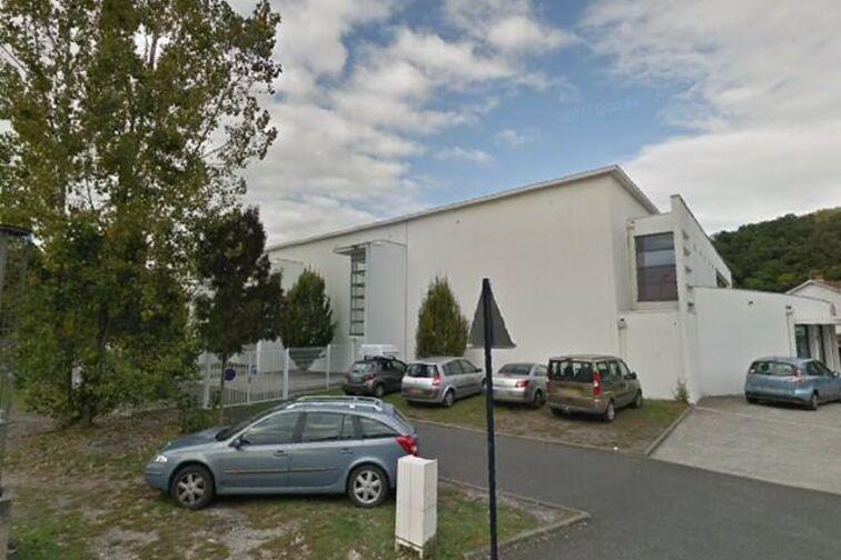 Parking Piscine municipale - Paul Laffargue - Floirac sécurisé