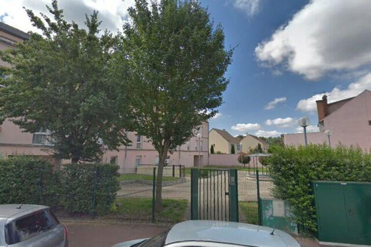 Parking Eglise Saint Thibault - Mississipi - Marly-le-Roi - Places souterraines à louer