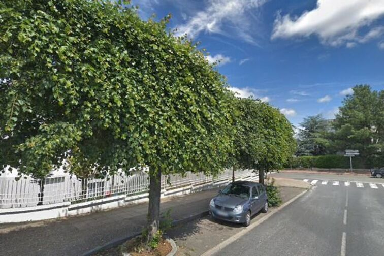 Parking Lycée Léonard de Vinci - Trois Quignons - Fourqueux (box aérien) gardien