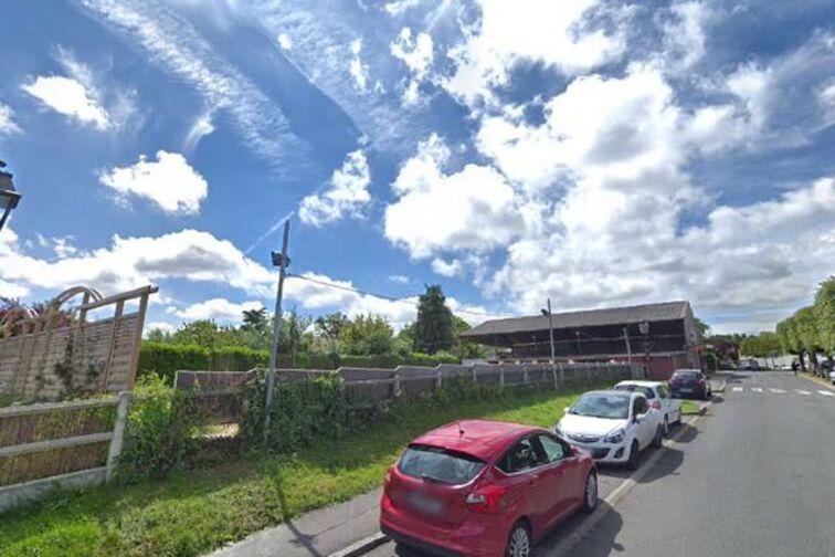Parking Lycée Léonard de Vinci - Trois Quignons - Fourqueux (box aérien) 24/24 7/7