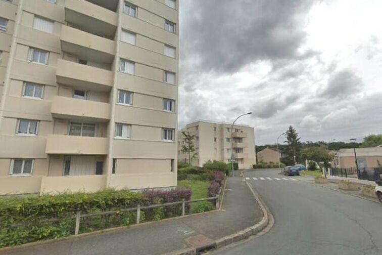 Parking Stade Léo Lagrange - Saint Sebastien - Poissy - Places souterraines gardien