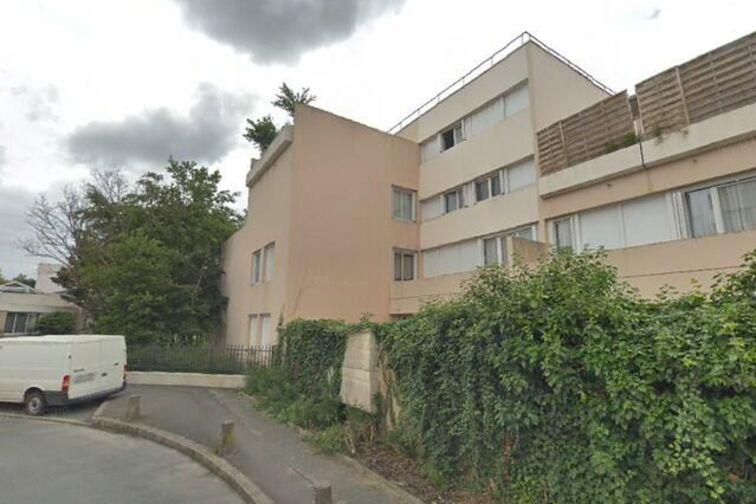 Parking Stade Léo Lagrange - Saint Sebastien - Poissy - Places souterraines en location