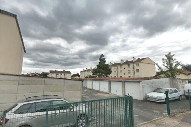 Parking Collège Flora Tristan - Chapelle - Carrières-sous-Poissy - Places souterraines Carrières-sous-Poissy