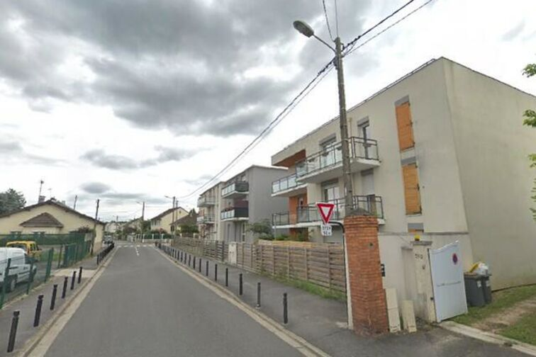 Parking Collège Flora Tristan - Chapelle - Carrières-sous-Poissy - Places souterraines pas cher