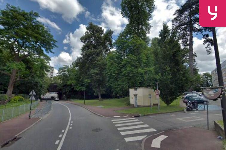 Parking Sous-Préfecture - Saint Leger - Saint-Germain-en-Laye (aérien) 24/24 7/7